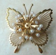 Vintage Monet Butterfly Wire Work Brooch With Pearl Beads